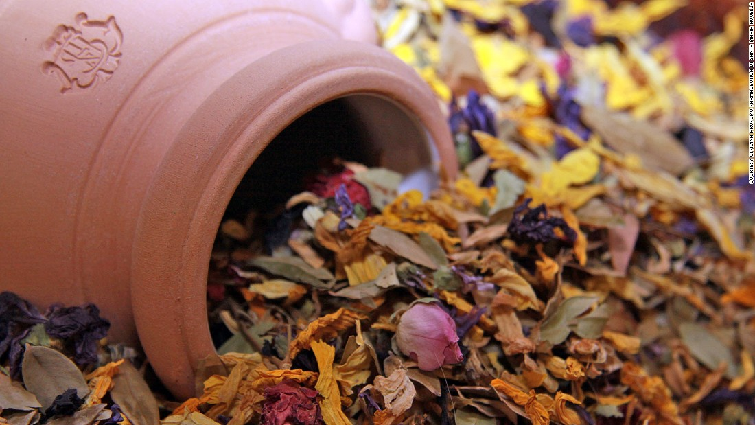 The apothecary's potpourri brings to mind a springtime walk in the nearby Tuscan hills.<br />