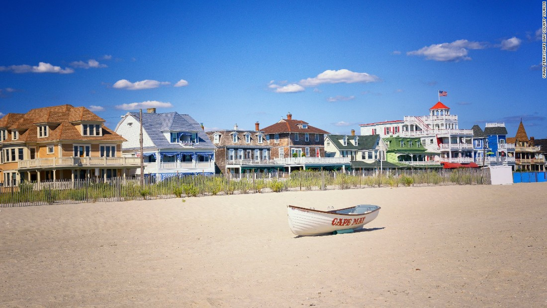 "<strong>Check out these beaches. </strong>FamilyVacationCritic.com picked its 10 best family-friendly U.S. beaches for 2015, including Cape May Beach in Cape May, New Jersey. On the list of recommended stops: free <a href=""http://www.capemay.com/activities/movies-on-the-beach.html"" target=""_blank"">""Movies on the Beach""</a> on Thursday nights during some summer months."