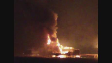 cnn vo mexico pemex oil platform fire ciudad del carmen_00002221