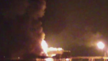 cnnee lkl gonzalez mexico pemex platform on fire _00000608