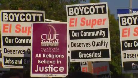 cnnee pkg alvarado la supermarket boycott_00004804