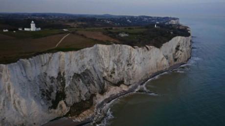 pkg soares uk immigration cliff edge_00002601