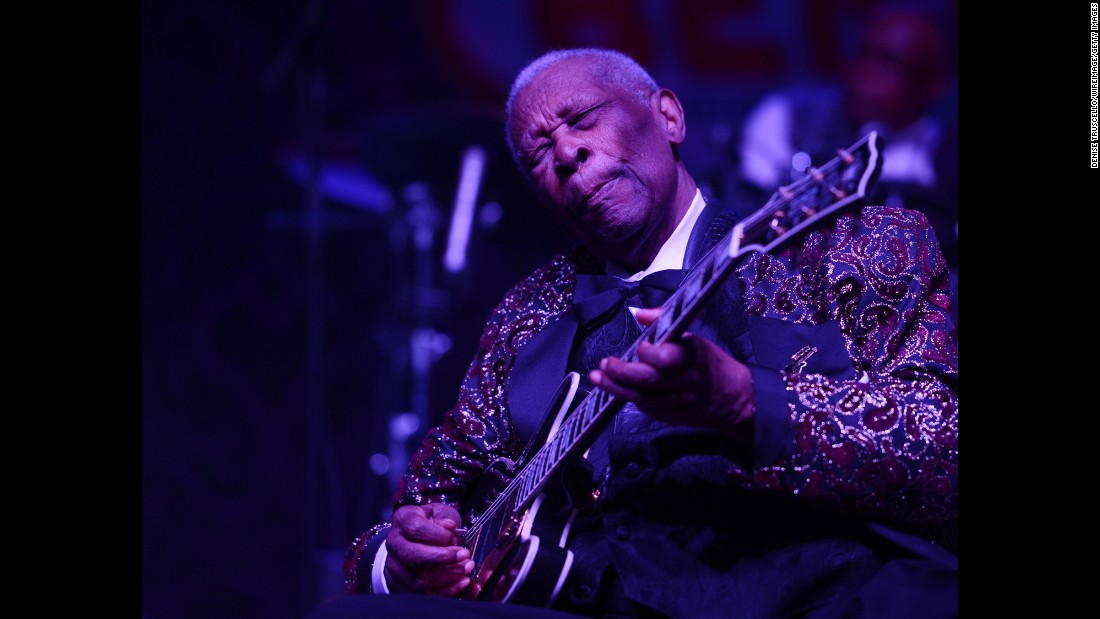King performs at the 2014 Big Blues Bender in Las Vegas.
