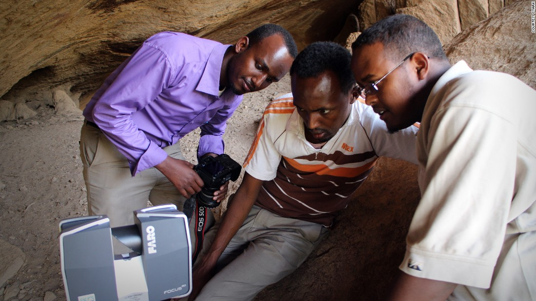 A group of CyArk volunteers in Somaliland, an autonomous region of Somalia, preparing to scan cave paintings.
