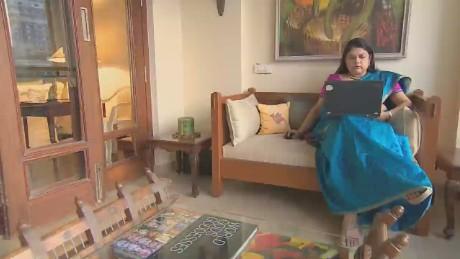 cnnee pkg mallika kapus india women online sales_00012808