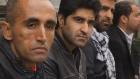 pkg paton walsh afghanistan kabul waits_00001913