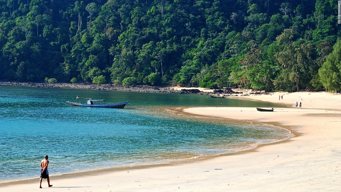 Aow Khao Kwai (Buffalo Bay) is a secluded beach with lagoon-like water and blinding white sand.
