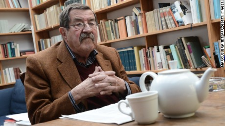 :German Nobel literature laureate Gunter Grass poses for a photo at his house in the northern German town of Behlendorf on April 5, 2012.