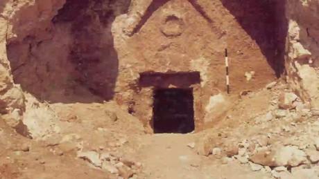 cnnee pkg liebermann jesus tomb controversy_00003904