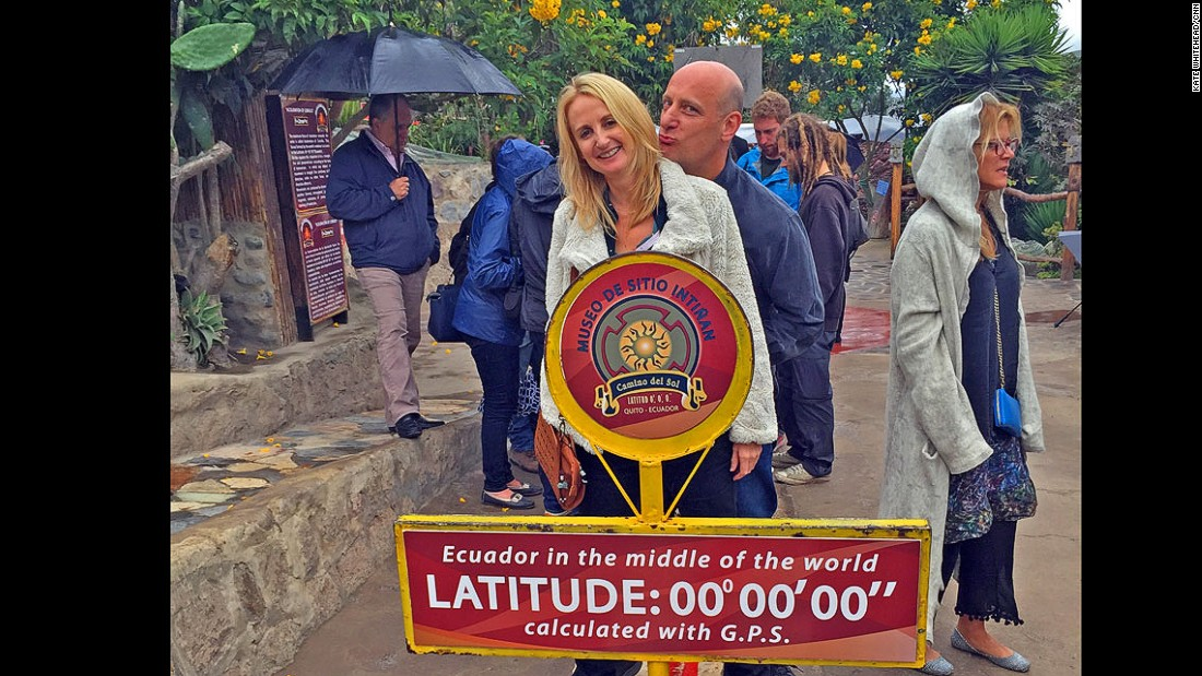 "A new tourist site has been created, this one with a red line that marks the planet's division and a sign that proudly declares: ""Latitude: 00º 00' 00"" calculated with G.P.S."