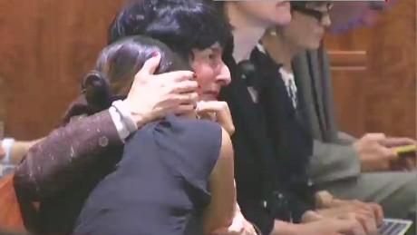 nr aaron hernandez verdict courtroom reax candiotti_00003327.jpg