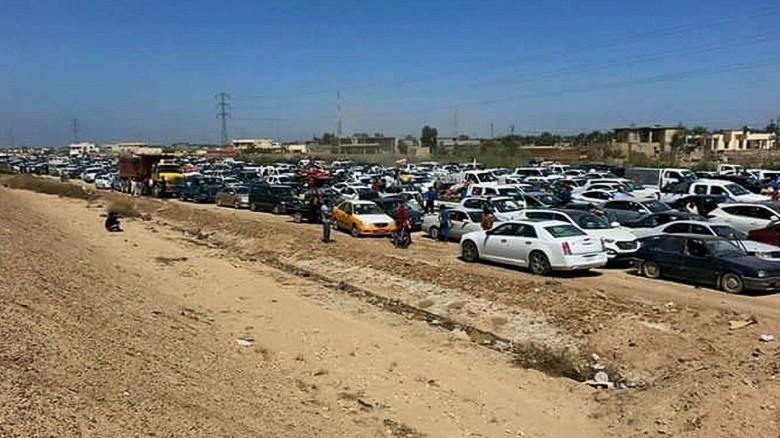 wrn damon iraq ramadi civilians flee_00000413