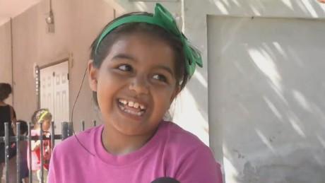 cnnee pkg romo honduras raising 39 kids_00012916