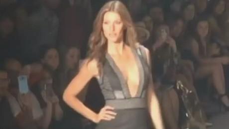 gisele bundchen catwalk retiring brazilian supermodel _00004119