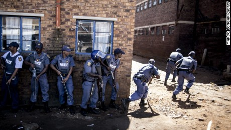 Xenophobic attacks spread to Johannesburg