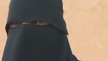 exp erin foster pkg saudi arabia sweden spat_00000423