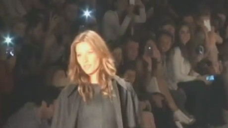 Brazilian supermodel Gisele Bundchen  CNN's package Producer Nana Karikari-apau catwalk_00002927