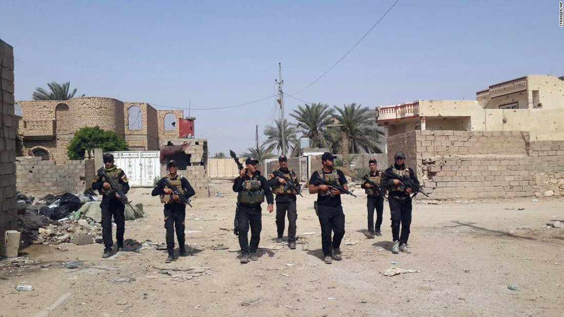 Iraqi counterterrorism forces patrol in Ramadi on April 18.