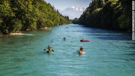 A boat trip on the River Aare is a refreshing pleasure. The quietly flowing river attracts thousands of water lovers on beautiful summer days.