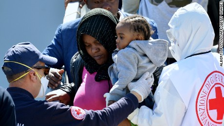Rush of migrants continue to flood Italy