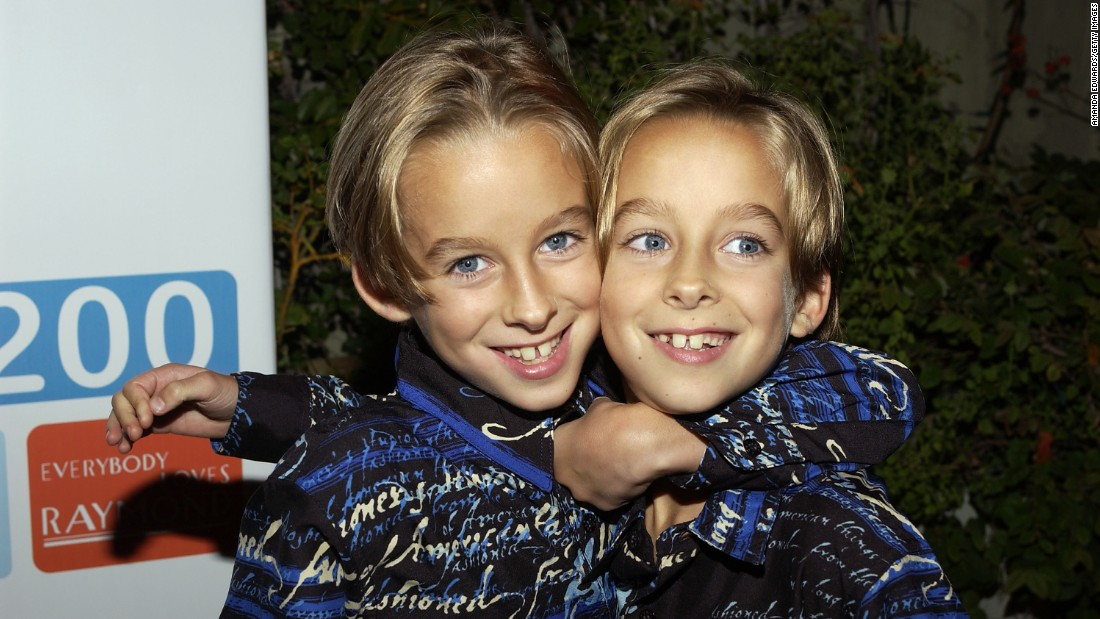 "<a href=""http://www.cnn.com/2015/04/23/entertainment/everybody-loves-raymond-sawyer-sweeten-suicide/index.html"">Sawyer Sweeten</a>, left, grew up before millions as a child star on the family sitcom ""Everybody Loves Raymond."" Early on April 23, he committed suicide, his sister Madylin Sweeten said in a statement. He was 19. Sawyer was a year and a half old when he started on ""Raymond,"" playing alongside his real-life twin brother, Sullivan, at right."