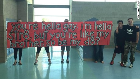 Straight High-Schooler Invites Gay Best Friend To The Prom