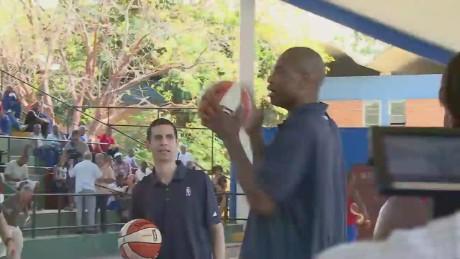 pkg oppmann cuba basketball diplomacy_00021702