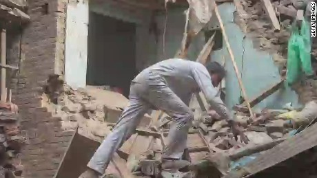 pkg mann nepal quake wrap_00004609.jpg