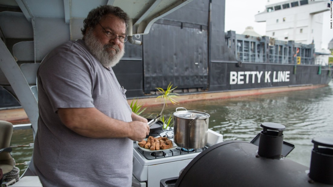 Finally, Bourdain visits with a few residents who live full-time on their boats on the Miami River. This type of living situation is  becoming less common because of the city's economic boom.