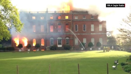orig stately house surrey fire_00002926.jpg