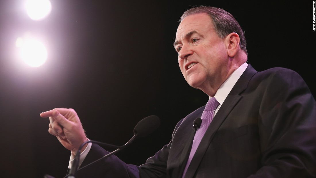 Mike Huckabee speaks to guests at the Iowa Freedom Summit on January 24, 2015, in Des Moines, Iowa.