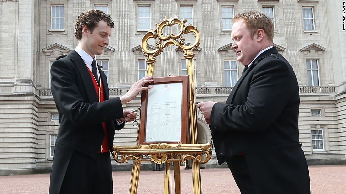 An easel is placed in the forecourt of Buckingham Palace in London to announce the birth of the princess.