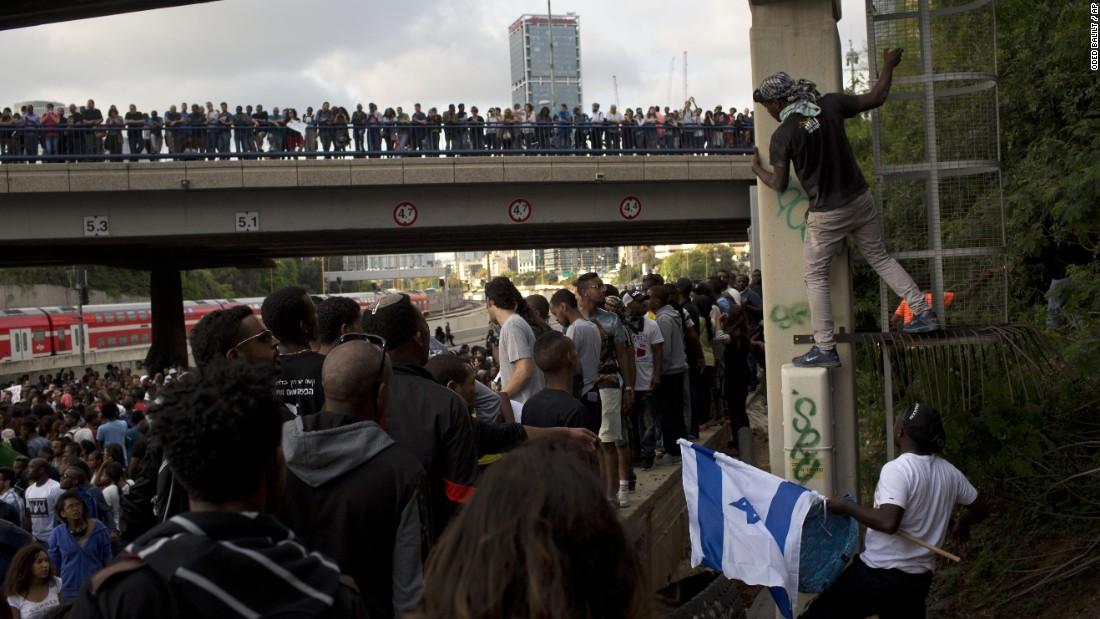 Protest over police turns violent in Tel Aviv, Israel - CNN