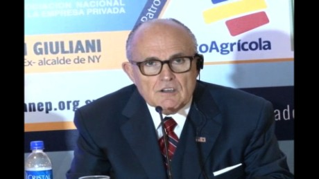cnnee pkg delcid el salvador giuliani security plan_00004620