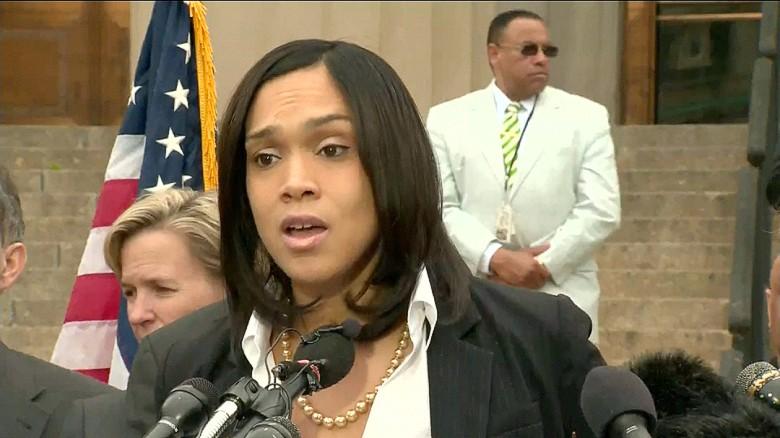 Defense calls for Baltimore prosecutor's dismissal