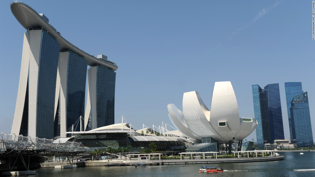 Singapore concrete jungle or greenest city on earth for Famous buildings in singapore