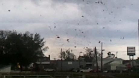 von storm blows roof off school_00004005