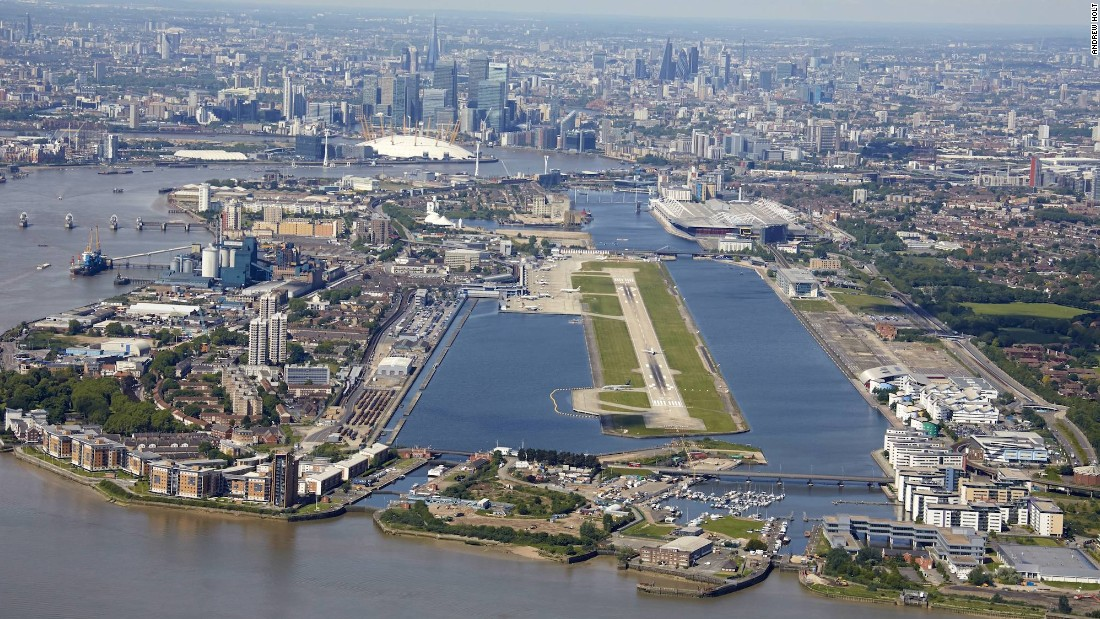 <strong>6. London City Airport (UK): </strong>Flying into London City Airport on a clear day, those in window seats get views of the Thames and London landmarks. For pilots, it's challenging. PrivateFly says the glide path is set at stomach-churning 5.8 degrees as opposed to the usual 3-degree glide path.