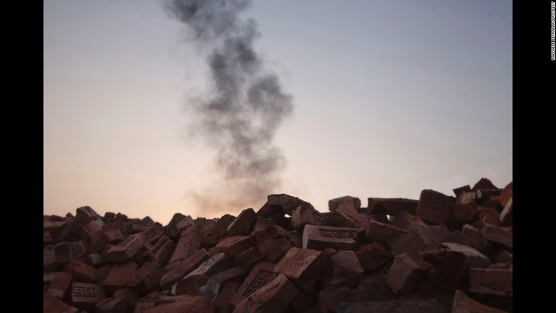 Kilns consume large quantities of fuel such as coal, firewood and other biomass.