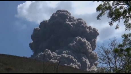 cnnee vo la prensa nicaragua volcano erupts_00004416