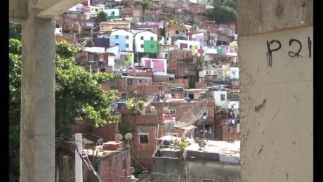 cnnee pkg baron brazil slums problematic_00005606