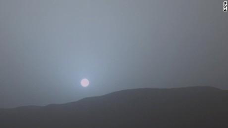 crane mars blue sunset curiosit rover orig _00001322.jpg