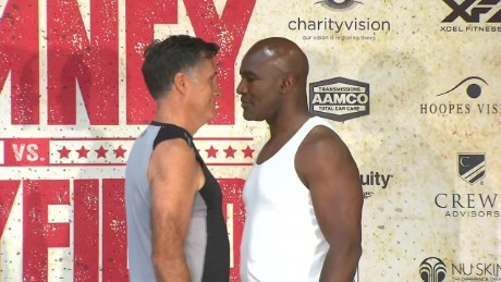 mitt romney evander holyfield weigh in full_00025508