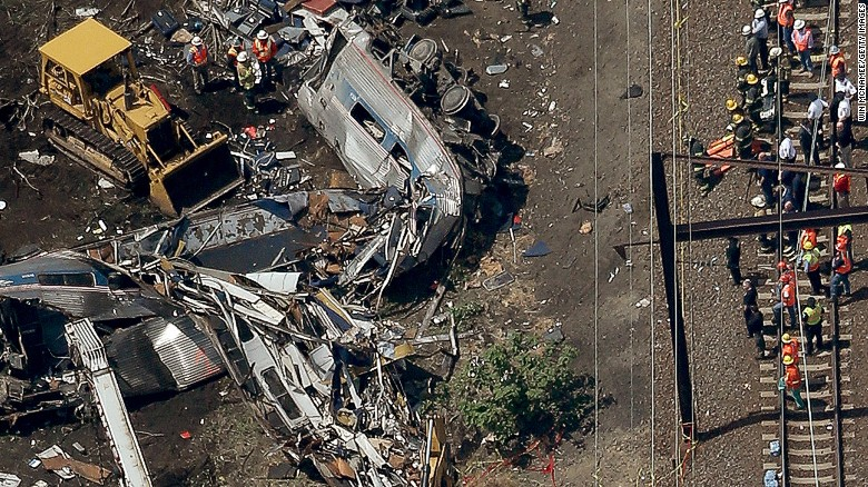 Feds: Amtrak engineer distracted prior to derailment