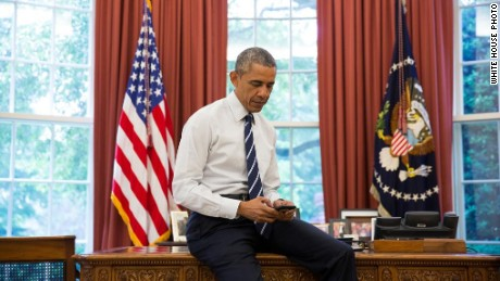 President Barack Obama sending his first tweet from @POTUS