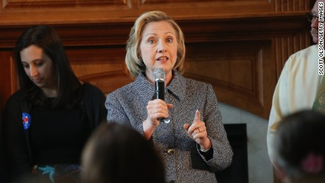 Democratic presidential hopeful and former U.S. Secretary of State Hillary Clinton speaks during a grassroots-organizing event at the home of Dean Genth and Gary Swenson on May 18, 2015 in Mason City, Iowa. Clinton is scheduled to host a small business roundtable discussion on May 19, in Cedar Falls, Iowa.
