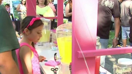 newday good stuff lemonade stand raises money for home_00002427