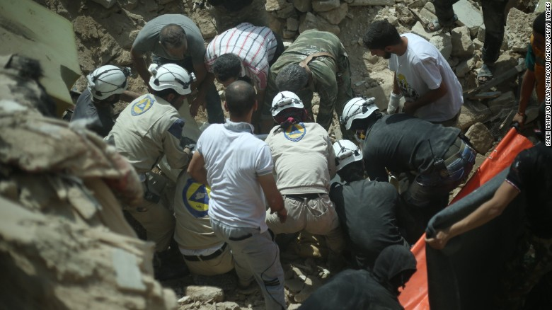 'White Helmets' bring medical aid to Syria