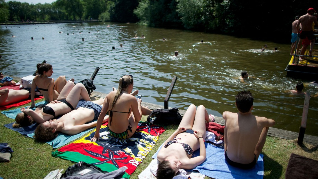 "London's biggest and wildest park, <a href=""http://www.cityoflondon.gov.uk/things-to-do/green-spaces/hampstead-heath/swimming/Pages/default.aspx"" target=""_blank"">Hampstead Heath</a>, has three pools for outdoor bathing: men's, women's and mixed. There's also a lido nearby at the foot of the Heath's Parliament Hill."