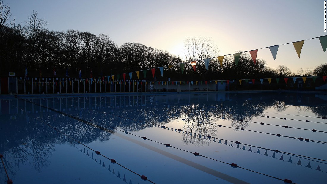 "South London's <a href=""http://www.placesforpeopleleisure.org/centres/tooting-bec-lido/"" target=""_blank"">Tooting Bec Lido</a> is the city's largest outdoor swimming pool, stretching a massive 100 yards."